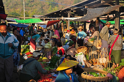 Market day in a little village at the shores of lake Inle