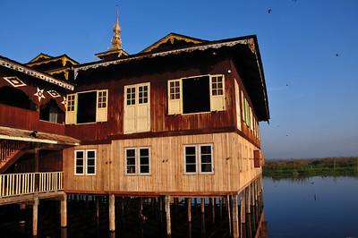Boat trip on lake Inle