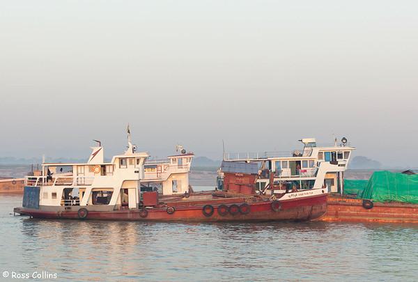 Along on the Ayeyarwady, Mandalay to Nyaung U, Myanmar, 31 January 2013