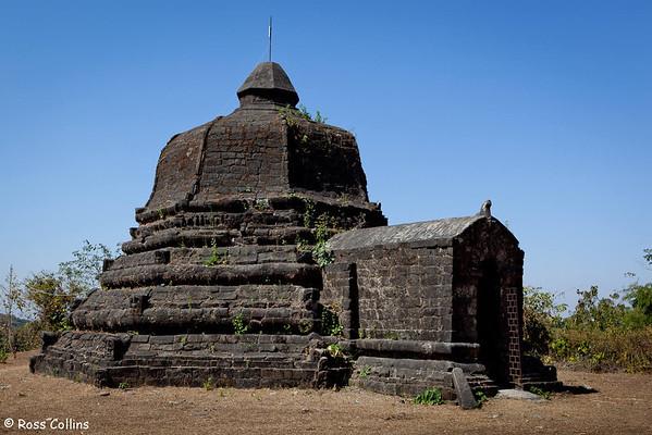 Mahabodhi Shwegu Temple, Mrauk U