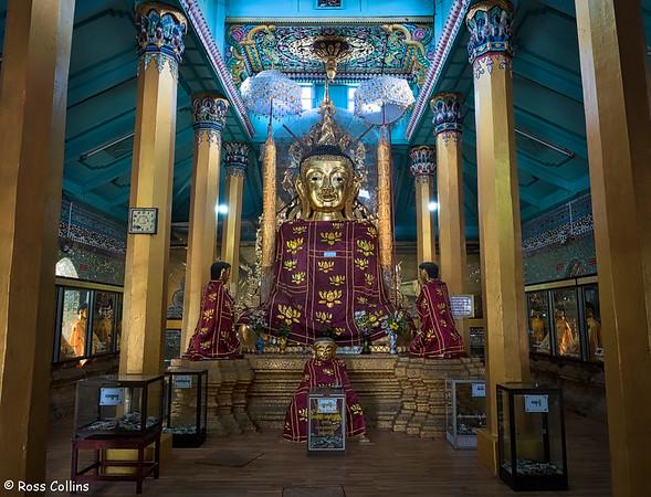 Thein Daw Gyi Pagoda, Myeik, Tanintharyi Region, Myanmar, 11 October 2015