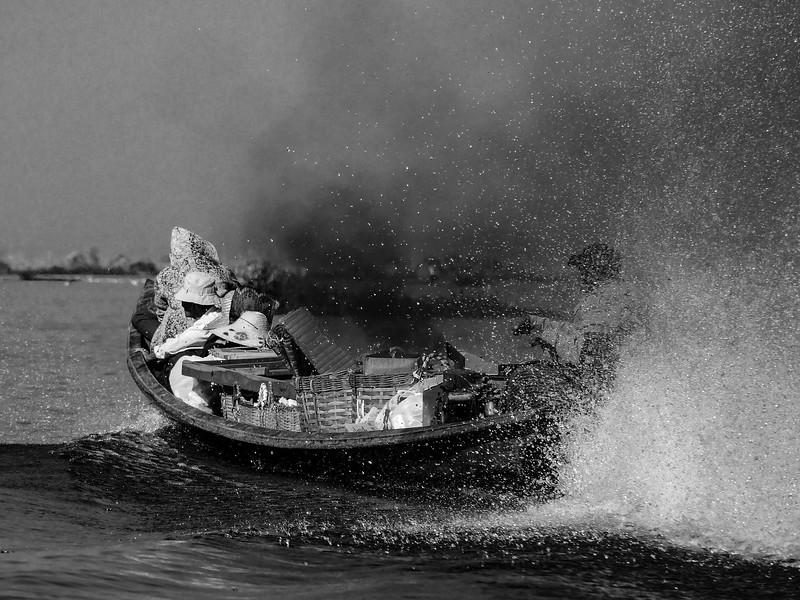 Trade Boat Inle lake