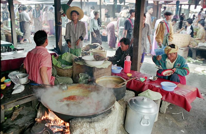 Myanmar Naungshwe Market 331