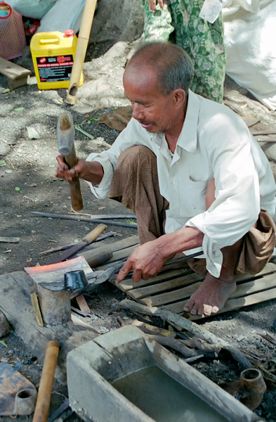 Myanmar Naungshwe Market 326