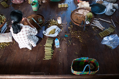 Lake Inle: Making Cheroots - 1,000 a day for less than $2
