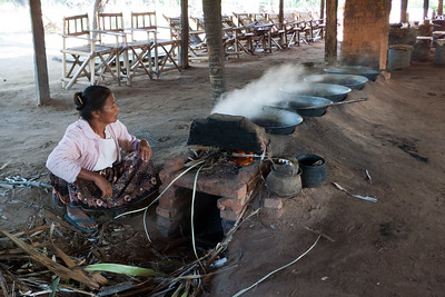 Road to Mount Poppa: Boiling Palm Oil