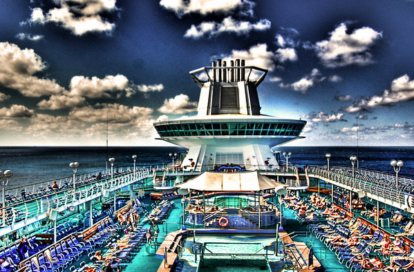 MONARCH OF THE SEAS POOL DECK