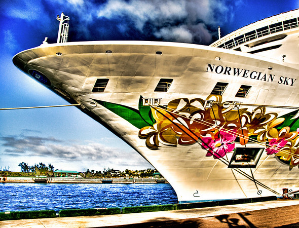NORWEGIAN SKY DOCKED HSR LA