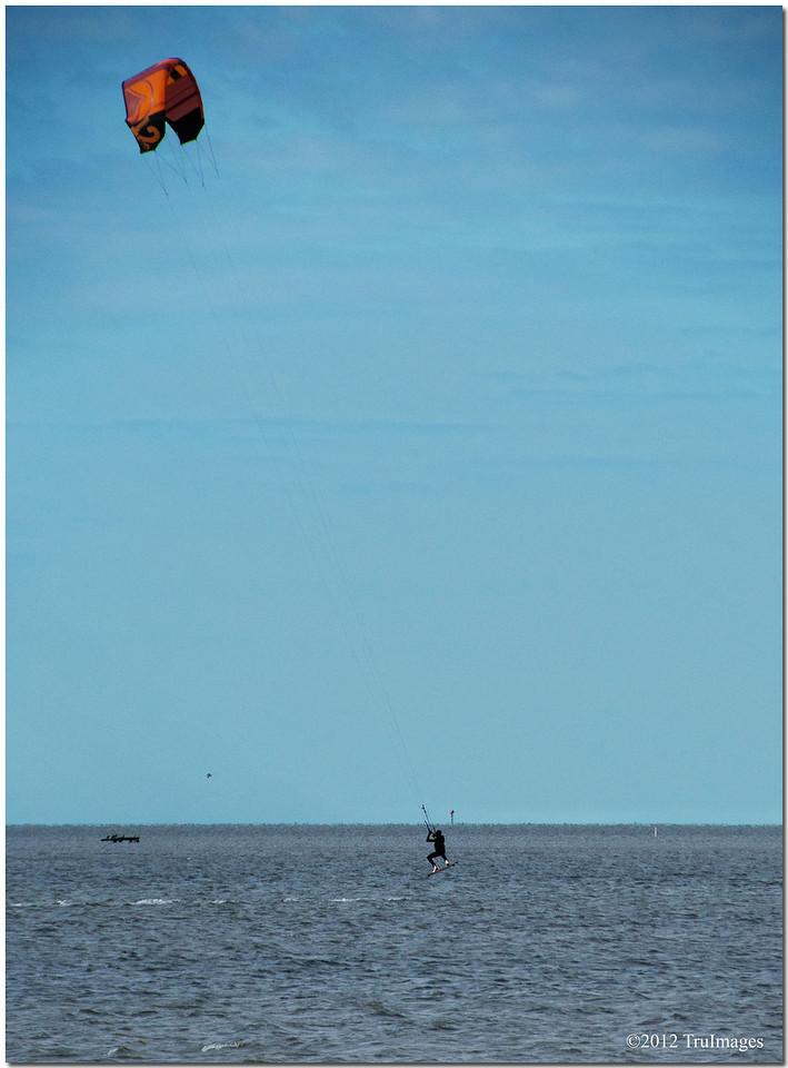 Feb 7<br /> Kite surfer