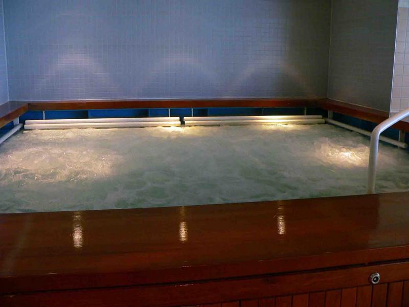 NCL Star Hydro-pool