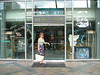 ANN AT THE WYLAND GALLERY AT THE NEW BEACHWALK AREA OF WAIKIKI BEACH....NO, I DID NOT PURCHASE ANYTHING, JUST DREAMED...