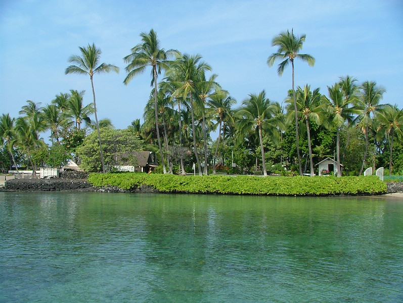 KONA HAWAII. A SNORKELING AREA, RIGHT OFF THE DOCK