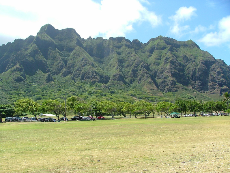 This view is directly across from the beach, here in Oahu. Great place for a picnic