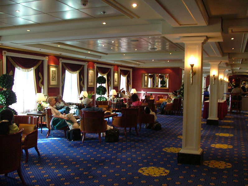 "CHAMPAGNE BAR ON BOARD NCL ""PRIDE OF AMERICA"""