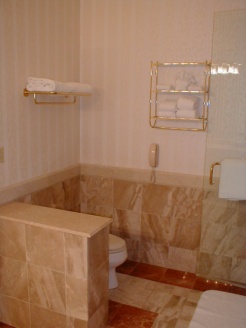 NEMACOLIN WOODLANDS RESORT, BATHROOM