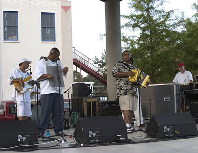 Lafayette -- Zydeco Band plays in town square