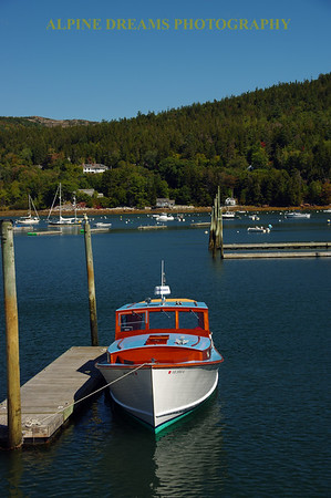 CLASSIC BOAT NEAR BAR HARBOR