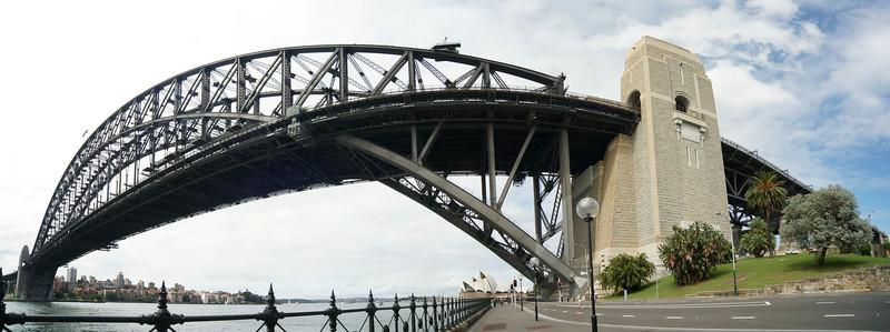 Sydney Harbour Bridge meets wide angle lens