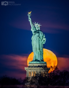 When the moon and the Statue of Liberty can be seen together, perfectly aligned, it is a magical moment. I love this photo because the moon looks so clean. Spectacular indeed
