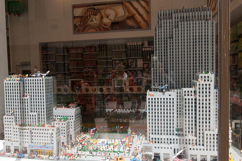 2013-05-17 - St Patricks and Rockefeller Ctr - 076 - (Lego Store - Rockefeller Plaza) - _DS34694