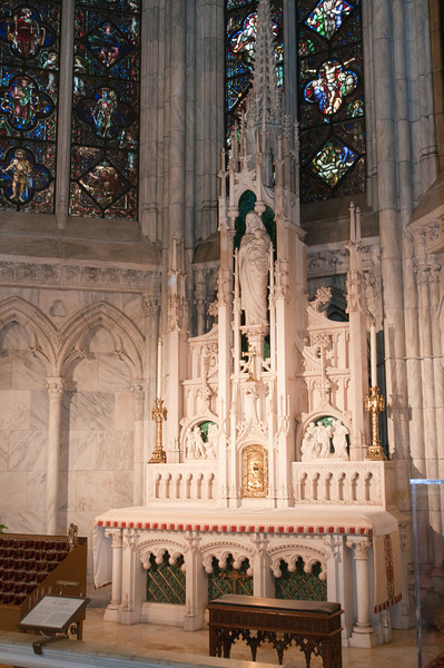 An altar to St. Elizabeth.