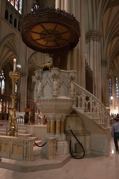 2013-05-17 - St Patricks and Rockefeller Cntr - 016 - (Pulpit) - _DS34634