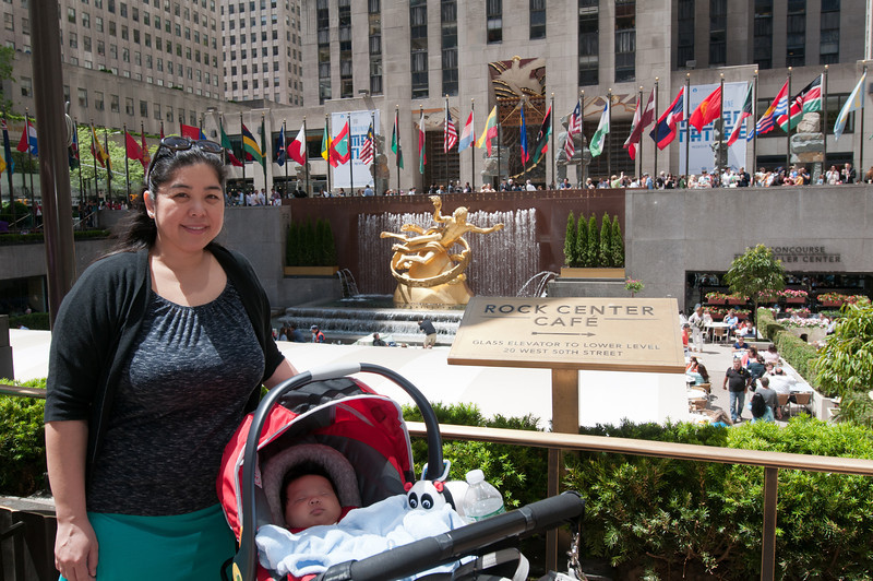 2013-05-17 - St Patricks and Rockefeller Ctr - 105 - (Lower Plaza - Charina & Lincoln) - _DS34723