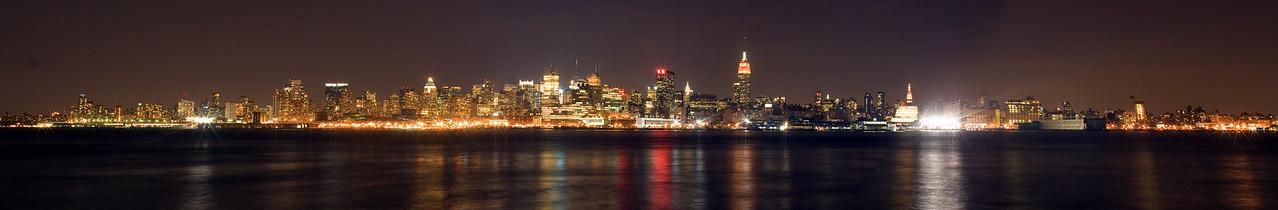 Manhattan panorama from Hoboken, Oct 2007.
