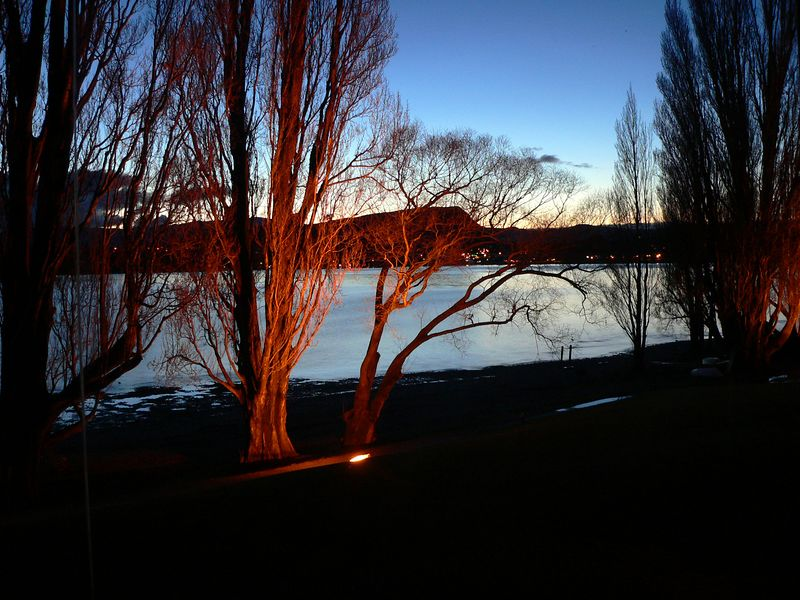 These are the sunrises that we had to put up with in Wanaka. Yes, even I was easily up before dawn!!!!!!