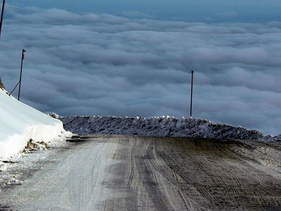 The road down from Mt Hutt.