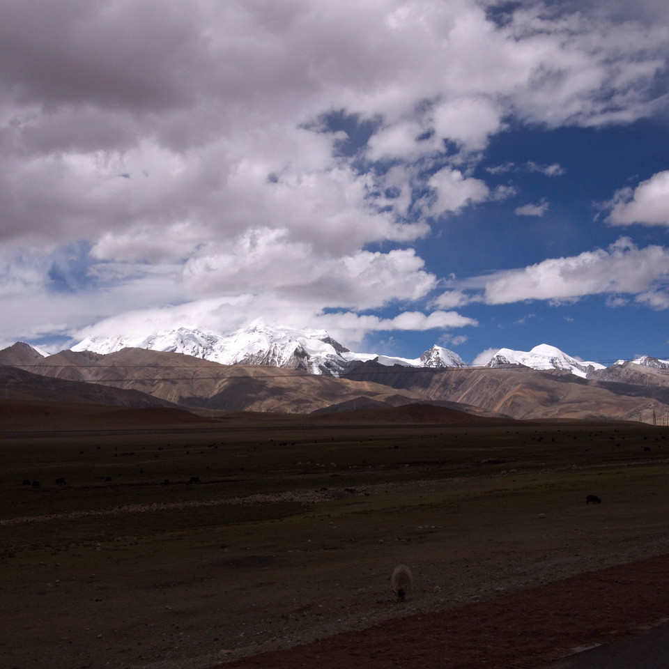 these are taken on the way out to nam tso, about a 4 hour drive from lhasa