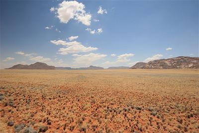 Uitzicht vanaf de D707, Namibië.