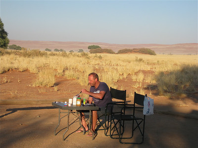 Out of Africa. Ontbijtje in Namib Naukluft, Namibië.