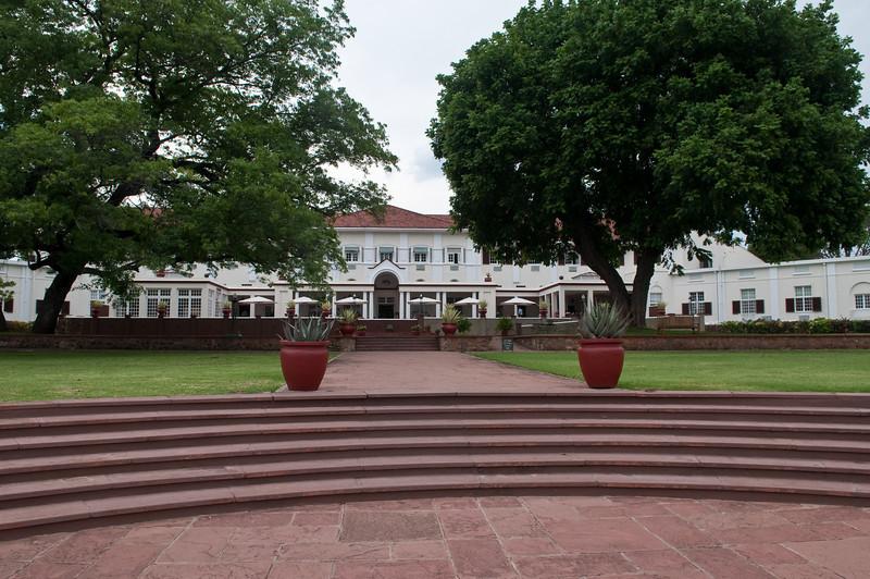 100_8708<br /> Vitoria Falls Hotel