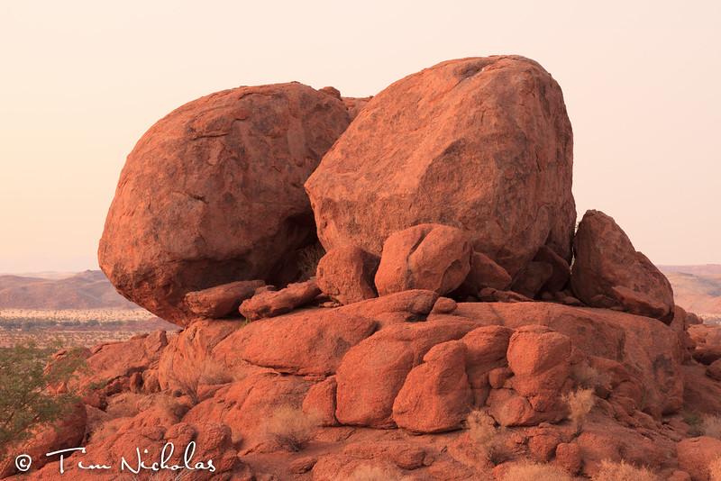 Mowani boulders pre-sunrise
