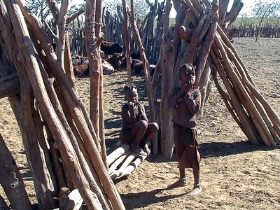 himba-kids-corral 2 579