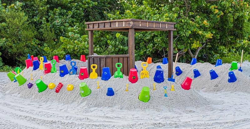 Location - Naples Grande Resort Beach Area