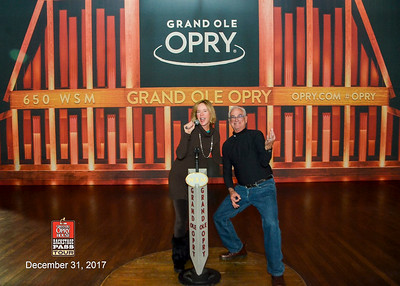 Newest Opry performers in the oak ciricle....listen for applause
