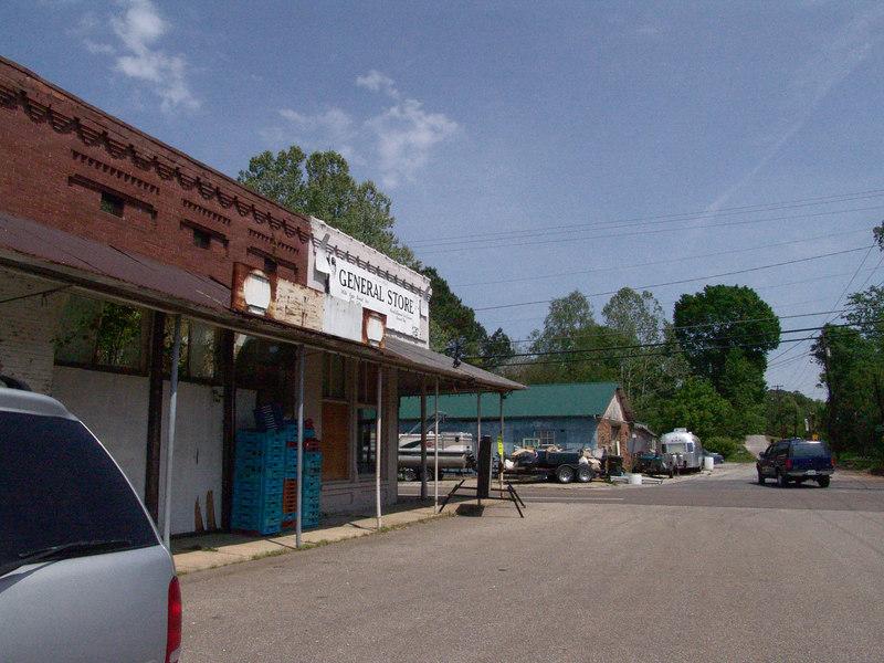 Hollow Rock, TN