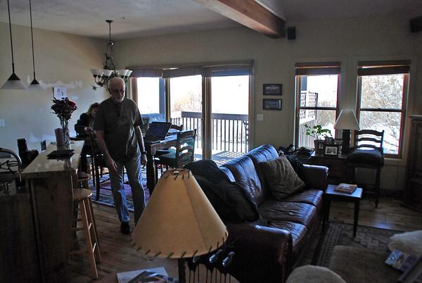 Arnie & Manette's living/dining area.