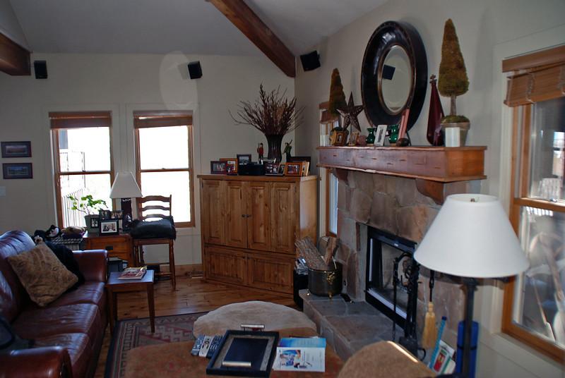 Arnie & Manette's living room.