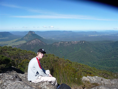 Summit, 1351 m above the sea level! In the background, Mount Earnest and Mount Lindesay, and right behind her is the State of New South Wales.