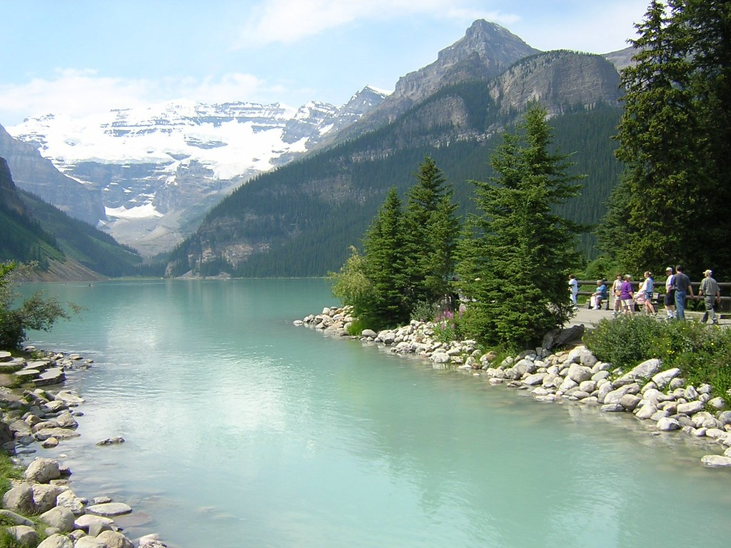 Lake Louise National Park, Alberta, Canada. Image Copyright 2003 by DJB.  All Rights Reserved.