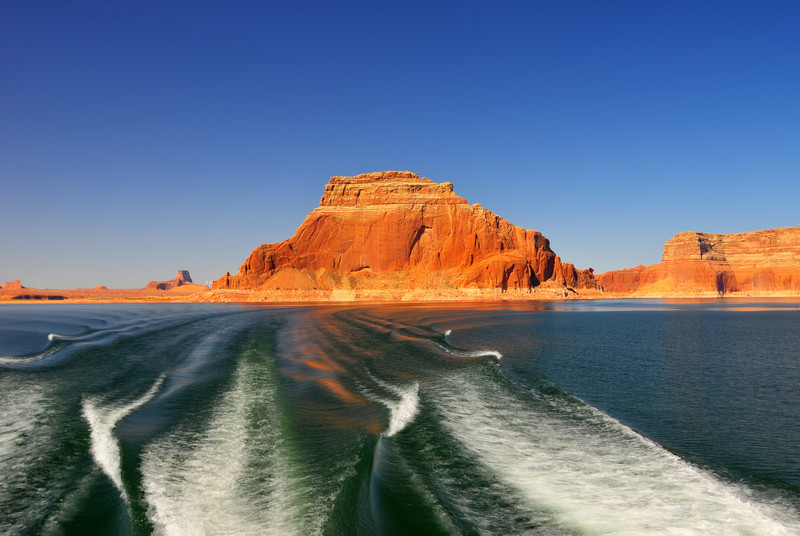 Cruising along Lake Powell towards Rainbow Bridge Arch.