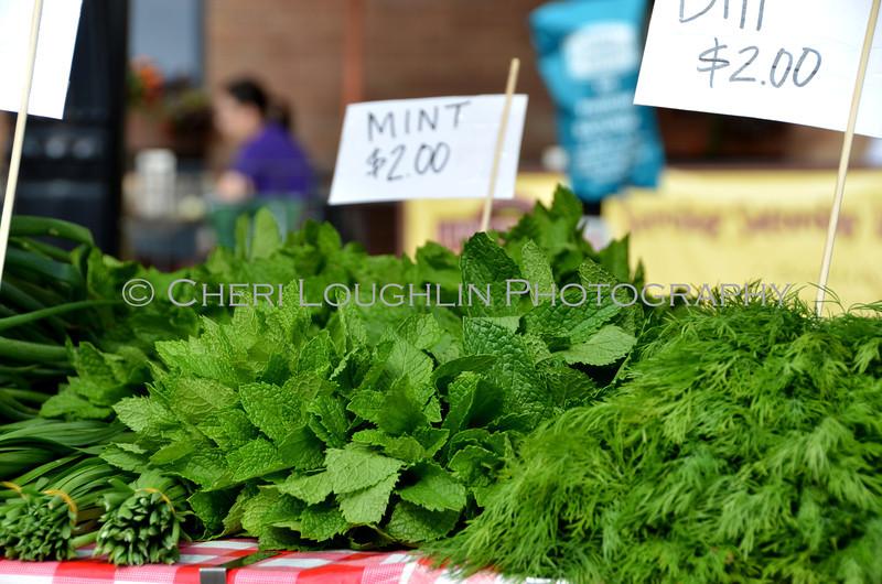 Omaha Farmer's Market - Mint & Dill