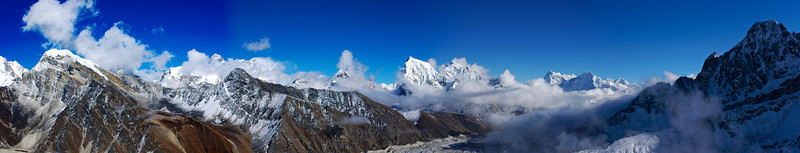 Gokyo peak panorama