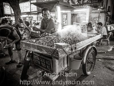 Mobile peanut vendor, Jalan Alor, Kuala Lumpur, Malaysia.