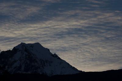 Sunrise in Khobang, the prettiest by far along the trek