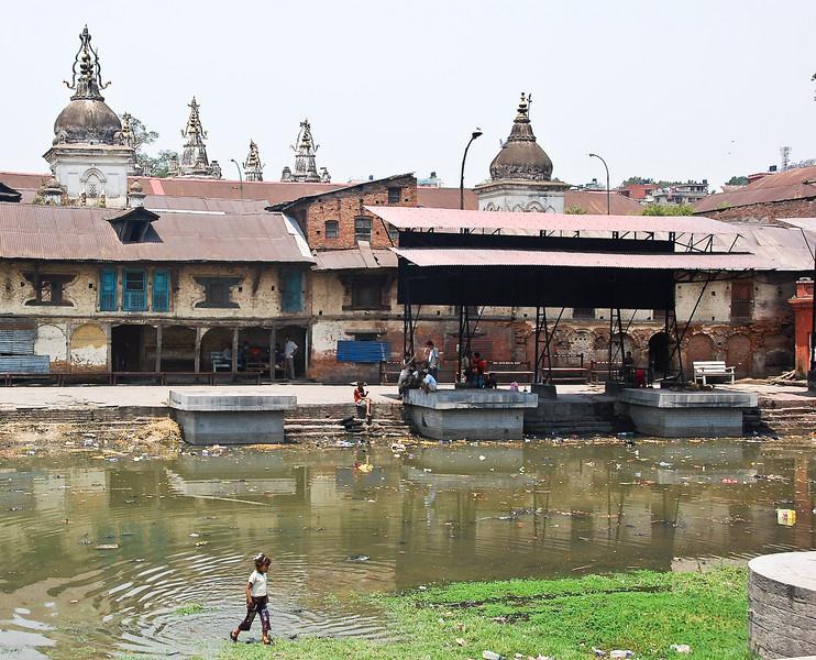 Burning ghats of Pashupatinath but no cremations.