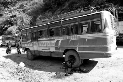 broken-bus-sh